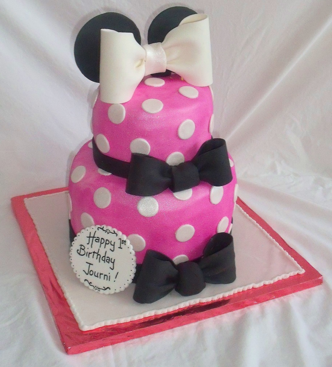 Minnie Mouse Pink Fondant Birthday Cake For Girl View 1