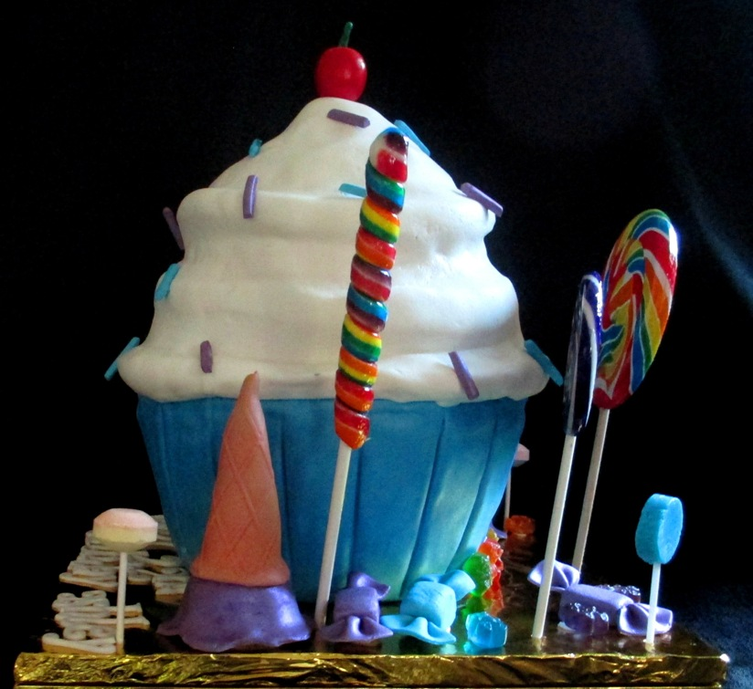 Cake With Ice Cream Cones On The Side