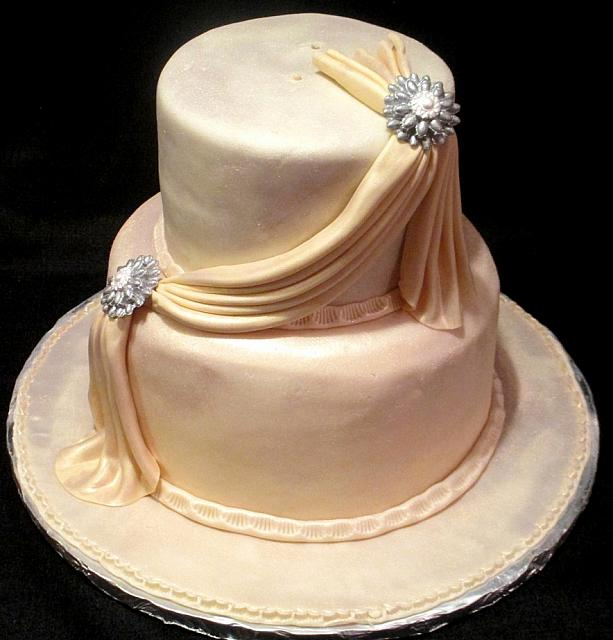 Wedding Cakes With Fondant Swags How Do I Make Buttercream Swags Cakecentral Cala Lilies And